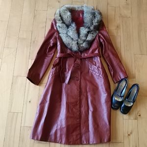 Vtg Leather w/ fox fur collar long jacket